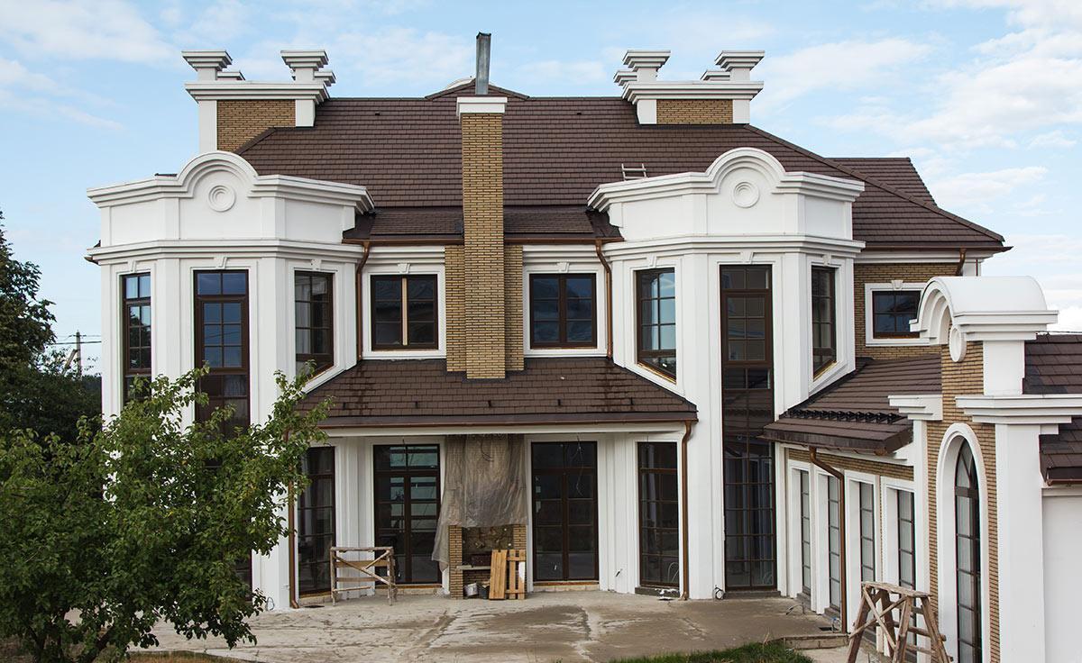 каждом выше дома с фасадной лепниной фото обзор